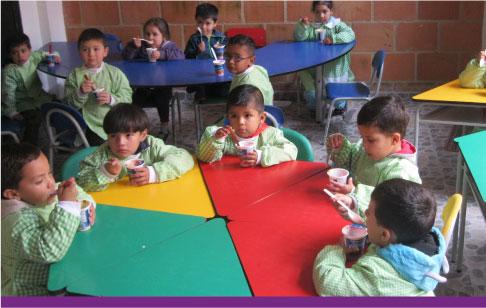 Programa-Alimentando-Sonrisas-Fundacion-La-Cruz