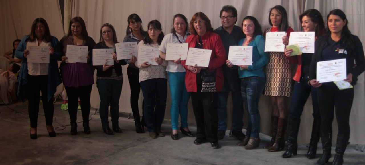 Programa-Mujeres-Constructoras-de-Paz-lacruz